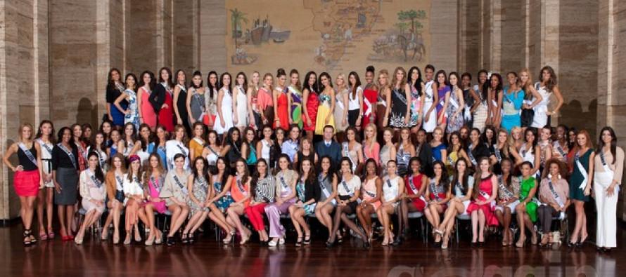 Miss Universe 2011 contestants visit Sao Paulo Mayor Gilberto Kassab