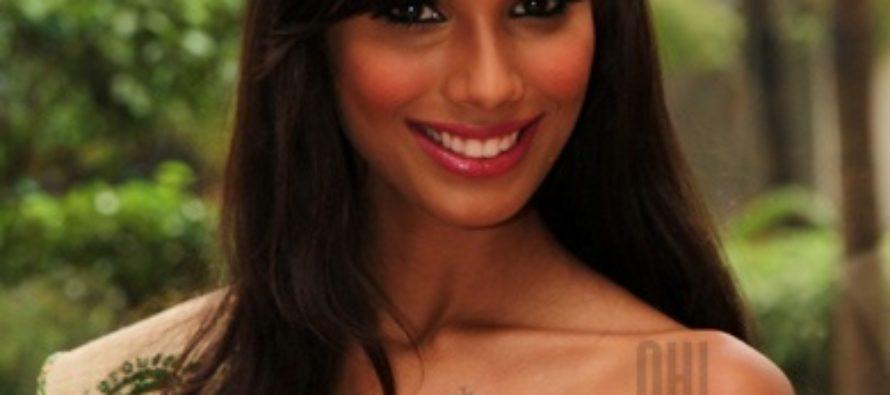 Miss Earth 2010 Nicole Faria