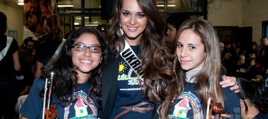 Miss Universe 2011 @ Casa do Zezinho