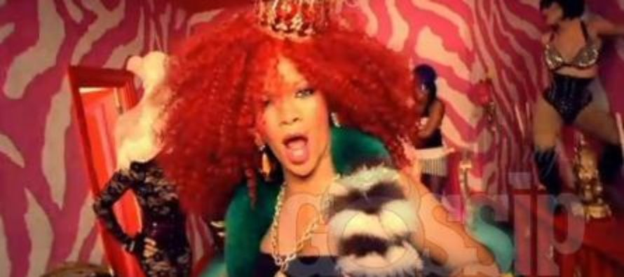 Rihanna and Chris Brown hooking up