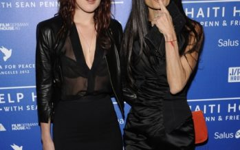 Demi Moore and Rumer Willis vacation together