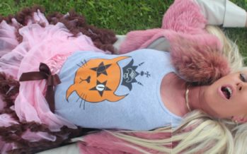 Metropoli: Ohmygossip Couture shirts are good for body and nature!