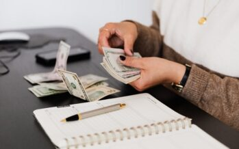 HOW TO have more money? 11 Super simple money saving tips
